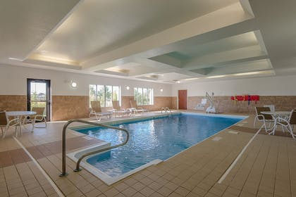 Pool | Holiday Inn Express & Suites Lafayette East