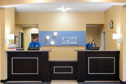 Lobby | Holiday Inn Express & Suites Lafayette East