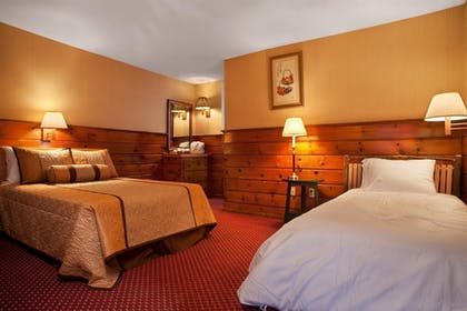 Guestroom | Eastover Estate & Eco-Village