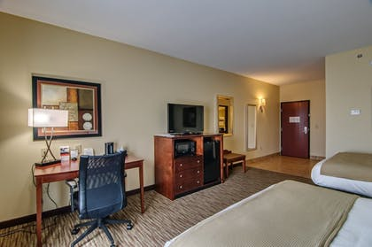 Guestroom | Holiday Inn Express and Suites Wytheville