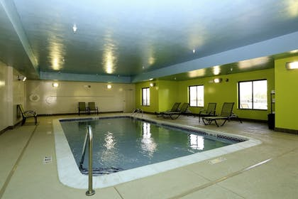 Pool | Holiday Inn Express Hotel & Suites Marion Northeast