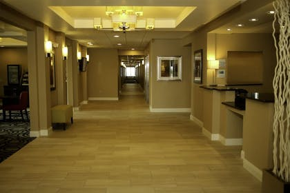 Hotel Interior | Holiday Inn Express Hotel & Suites Marion Northeast
