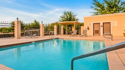 Outdoor Pool | Best Western Plus Kenedy Inn