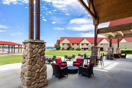 Featured Image | Arrowwood Resort at Cedar Shore