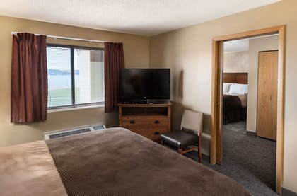 Guestroom | Arrowwood Resort at Cedar Shore