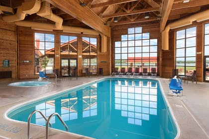 Pool | Arrowwood Resort at Cedar Shore
