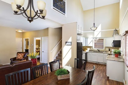 Private Kitchen | Arrowwood Resort at Cedar Shore