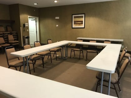Meeting Facility | Expressway Suites Minot