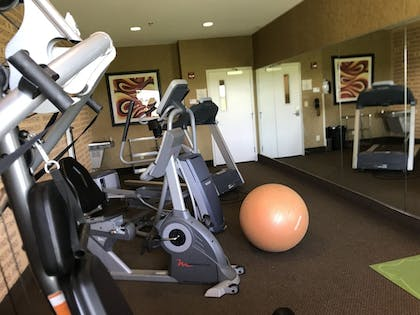 Fitness Facility | Expressway Suites Minot