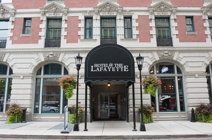 Hotel Entrance | Hotel at the Lafayette Trademark Collection by Wyndham