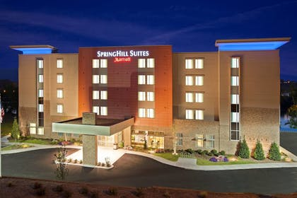 Featured Image | SpringHill Suites Chattanooga Downtown/Cameron Harbor