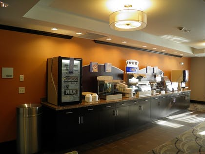 Restaurant | Holiday Inn Express and Suites Overland Park