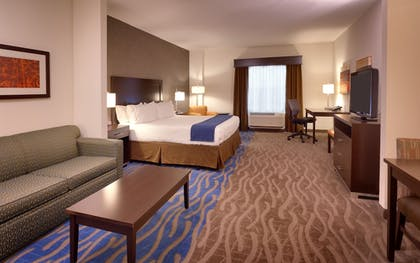 Guestroom | Holiday Inn Express and Suites Overland Park