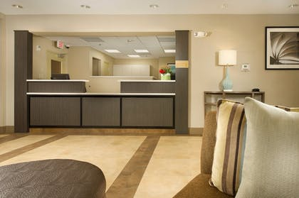 Lobby | Candlewood Suites Alexandria - Fort Belvoir