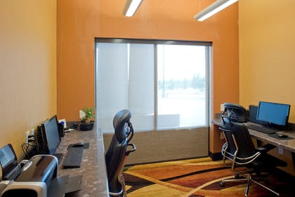 Business Center | Holiday Inn Express Hotel & Suites Prattville South
