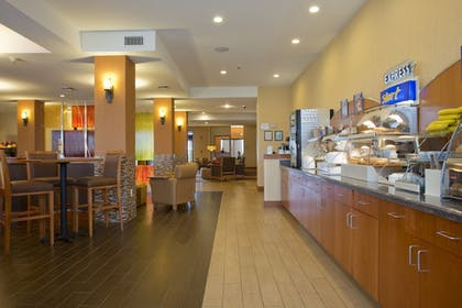 Breakfast Area | Holiday Inn Express Hotel & Suites Prattville South