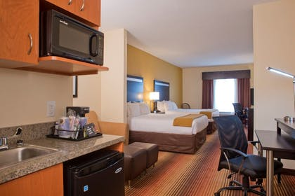 Guestroom | Holiday Inn Express Hotel & Suites Prattville South