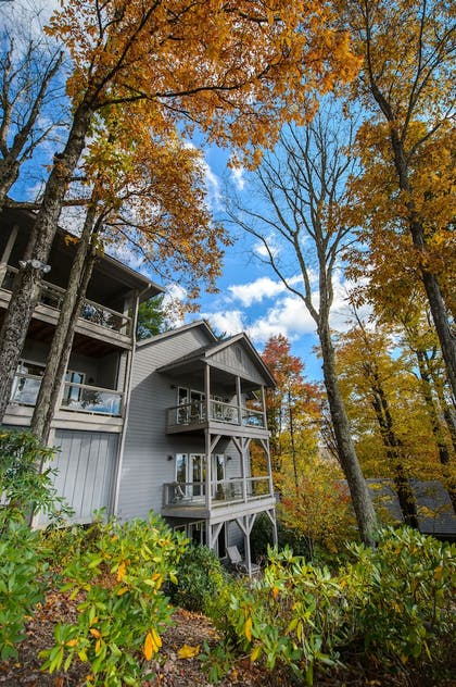 Property Grounds | The Inn at Crestwood