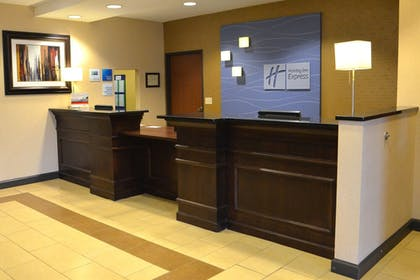Lobby | Holiday Inn Express Hotel & Suites Sidney