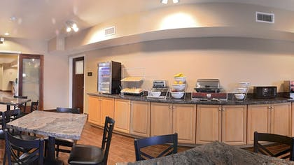 Breakfast Area | Comfort Inn & Suites Page at Lake Powell