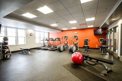 Fitness Facility | Hampton Inn and Suites DuPont