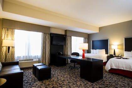 In-Room Business Center | Hampton Inn and Suites DuPont