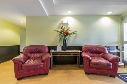 Lobby | MainStay Suites Camp Lejeune