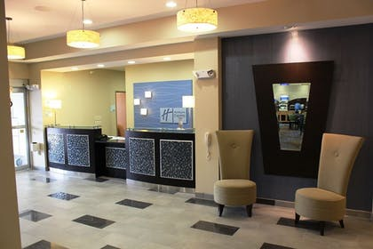 Lobby | Holiday Inn Express Hotel & Suites Albert Lea - I-35
