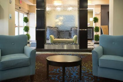 Lobby Sitting Area | Holiday Inn Express Hotel & Suites Albert Lea - I-35