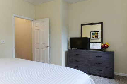 Guestroom | Oakwood Raleigh Brier Creek