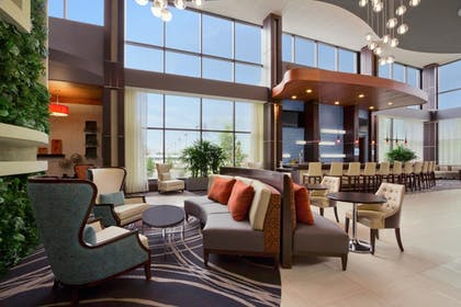 Hotel Lounge | Embassy Suites by Hilton Knoxville West