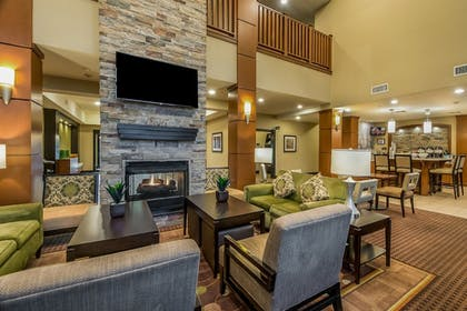 Lobby | Staybridge Suites Longview