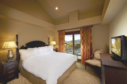 | 2 Bedroom King or Queen Suite and Sofabed | Sunrise Lodge by Hilton Grand Vacations