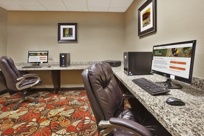 Business Center | Holiday Inn Express & Suites Wheeling