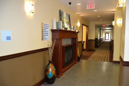 Lobby | Holiday Inn Express Hotel & Suites Cross Lanes