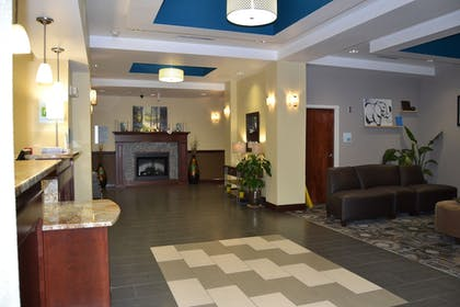Interior Entrance | Holiday Inn Express Hotel & Suites Cross Lanes