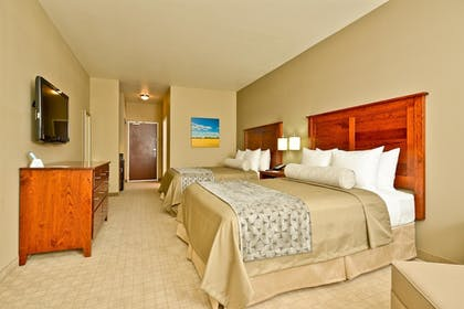 Guestroom | Best Western Plus Green Mill Village Hotel & Suites