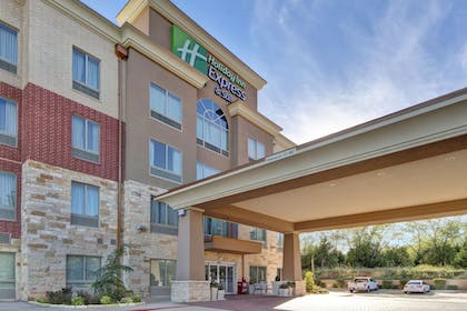 Exterior | Holiday Inn Express & Suites Oklahoma City North
