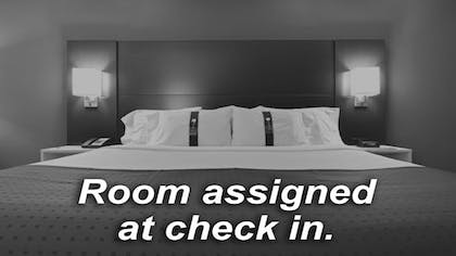 Room | Holiday Inn Express & Suites Oklahoma City North