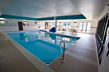 Pool | Holiday Inn Express & Suites Detroit North - Troy