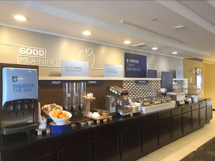 Breakfast buffet | Holiday Inn Express & Suites Detroit North - Troy