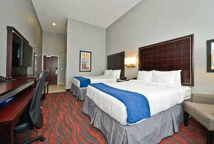 Room | Holiday Inn Express & Suites Utica