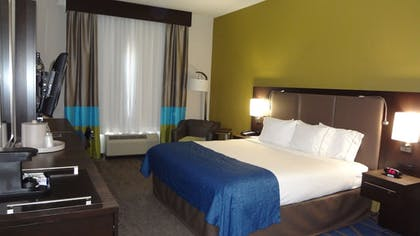 Guestroom | Holiday Inn Express Hotel & Suites El Reno