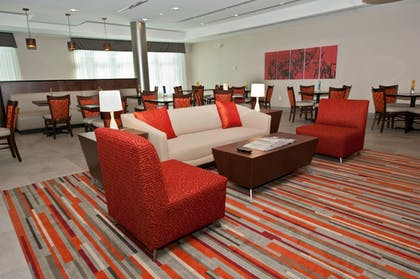 Lobby | Holiday Inn Express & Suites Columbus - Easton Area