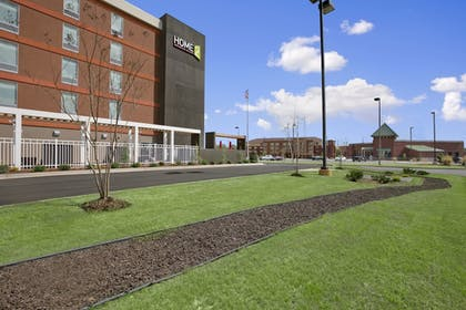 Property Grounds | Home2 Suites by Hilton Oxford, AL