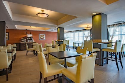Restaurant | Holiday Inn Express Hotel & Suites Hobbs