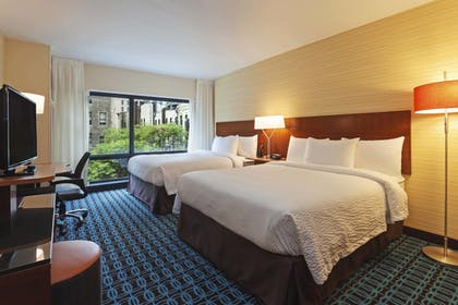 Guestroom   Fairfield Inn & Suites Chicago Downtown/River North
