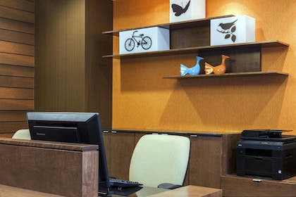 Business Center | Fairfield Inn & Suites Chicago Downtown/River North