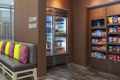 Snack Bar | Fairfield Inn & Suites Chicago Downtown/River North