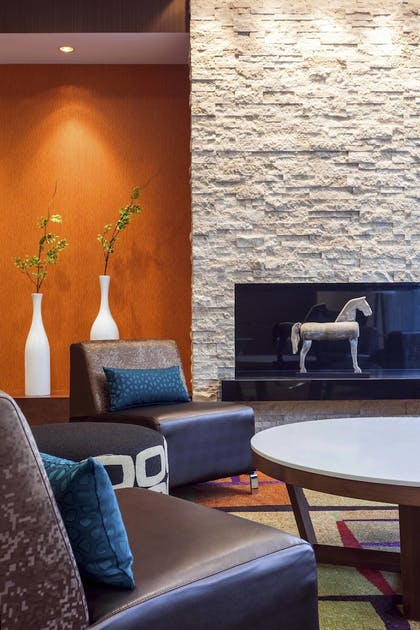 Lobby   Fairfield Inn & Suites Chicago Downtown/River North